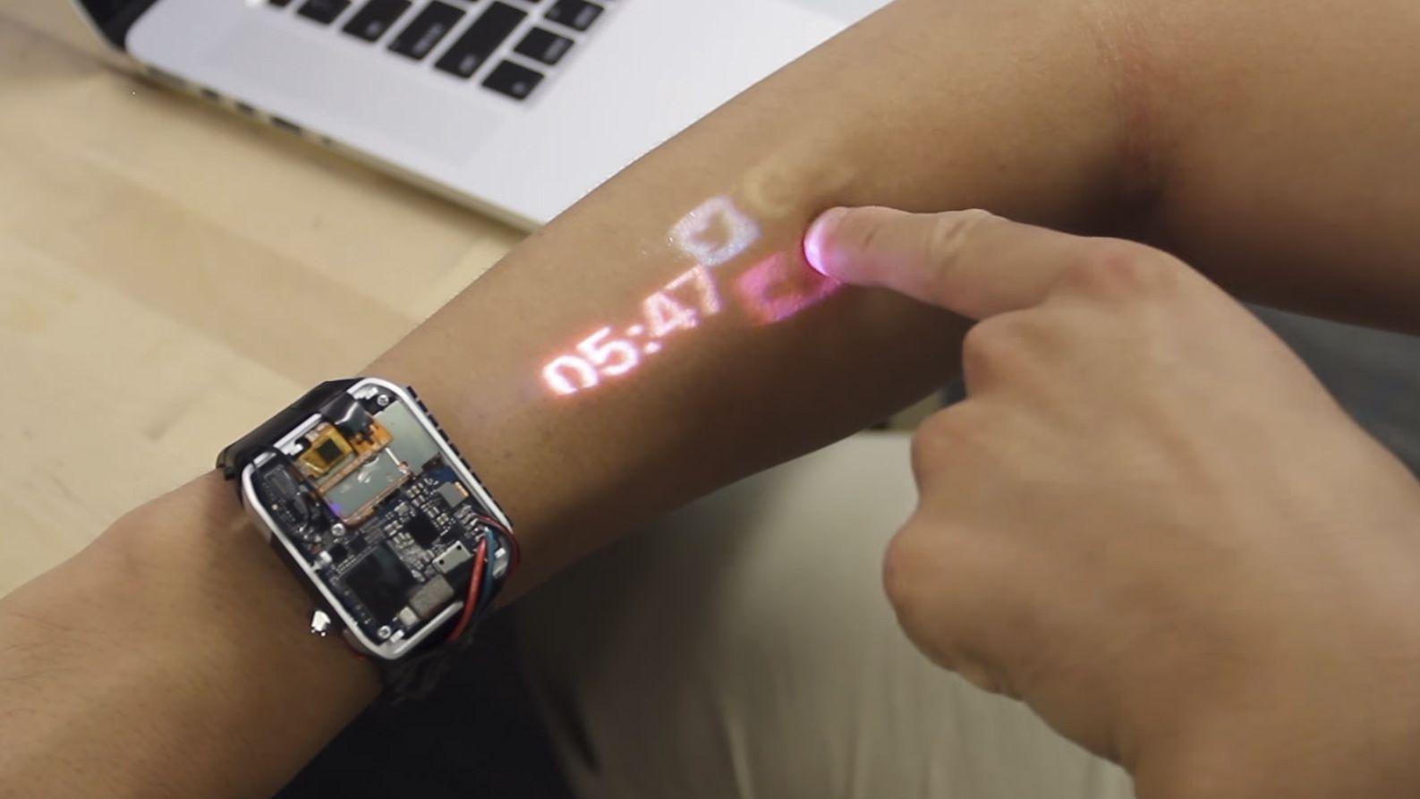 Lumi Watch ساعة تحول الذراع الى شاشة لمسية